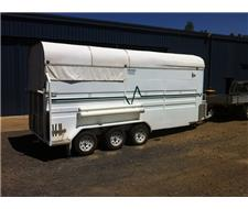 2006 VICTORY TRI-AXLE HORSE FLOAT
