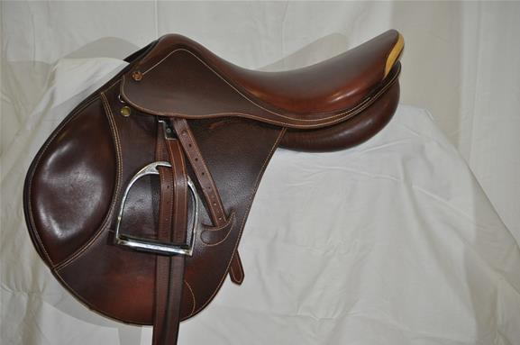 Prestige Versailles Jumping Saddle Top Horse