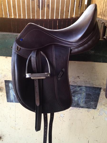 As New Southern Stars Saddle Top Horse