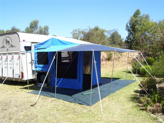 Series 3 Jobe and Co HorseFloat camper
