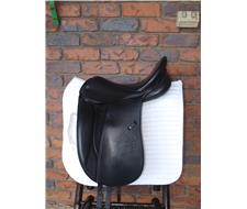 Stubben Maestoso Dressage Saddle
