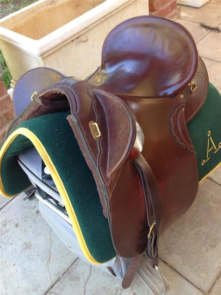 Stock Saddle Don Cross Top Horse