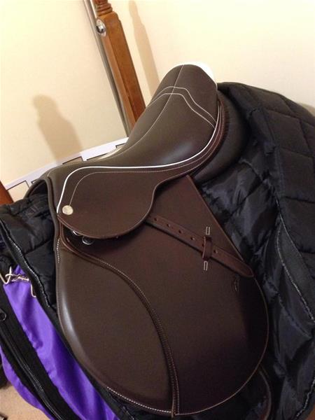 Zaldi Jump Saddle Top Horse