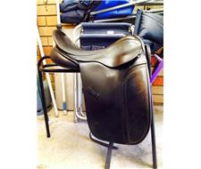 County WB Dressage saddle
