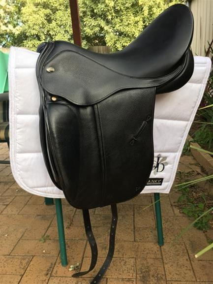 Defiance Force Dressage Saddle 17""