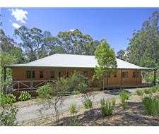 Home, Studio, Cabin and Pool in Bushland Setting