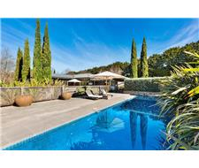 Lifestyle appeal on 5.5 thriving acres