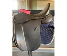 BATES SHOW SADDLE NEW CONDITION