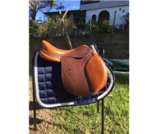 Lovely Jump saddle