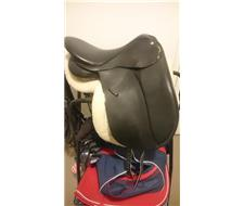 17 collegiate dressage saddle
