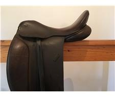 Ascot elegant dressage saddle