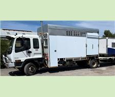 Isuzu FR 550+ Turbo with 4 Horse Box