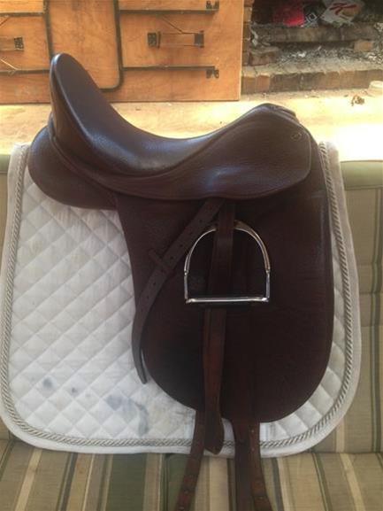 Bates Isabell 16 5inch Brown Top Horse