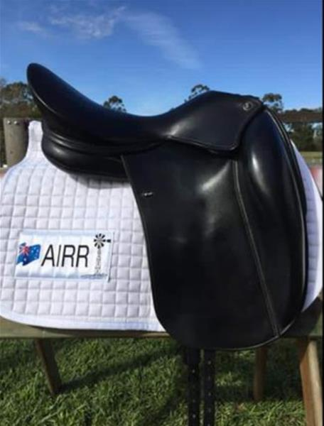 18inch WoW dressage saddle