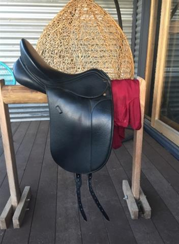Peter Horobin Dressage Saddle