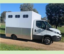 2019 IVECO 4 Horse Truck